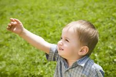 Free Kid Pointing At The Sky Stock Photos - 5518263
