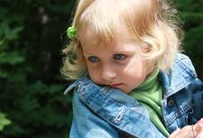Free Pensive Little Girl Royalty Free Stock Image - 5518826