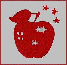 Free Apple Puzzle Royalty Free Stock Photography - 5519157