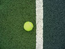 Free Tennis Court And Ball Stock Photo - 5519970