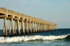 Free Fishing Pier At Sunset Royalty Free Stock Images - 5526419