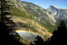 Free Half Dome And Rainbow Royalty Free Stock Photography - 5526557