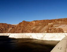 Free Lake Side Of The Hoover Dam Stock Images - 5532324