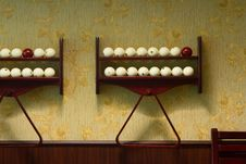 Free Billiard-balls Royalty Free Stock Photo - 5534425
