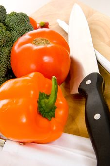 Free Vegetables On Cutting Board Royalty Free Stock Image - 5535646