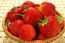 Free Juicy Strawberries Royalty Free Stock Image - 5536546