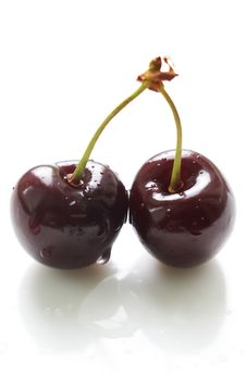 Free Two Cherries With Waterdrops Royalty Free Stock Images - 5536569