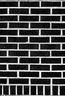 Free Black Brick Wall Royalty Free Stock Images - 5537519