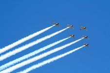 Free Air Show 4 Royalty Free Stock Photo - 5537945