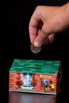 Free Quarter Coin And Cardboard Bank Box Royalty Free Stock Photo - 5543575