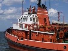 Free Tug Boat Royalty Free Stock Images - 5547189