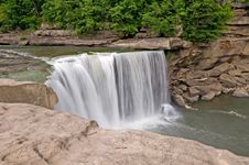 Free Cumberland Falls Royalty Free Stock Photos - 5548298