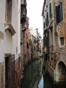 Free Any Given Street At Venice Royalty Free Stock Image - 5549146