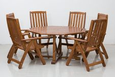 Free Wooden Table And Chairs Stock Photography - 5550552