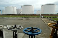 Free Fuel Depot Royalty Free Stock Photo - 5552765