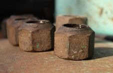 Free Rusty Screw-nuts Royalty Free Stock Photo - 5552965