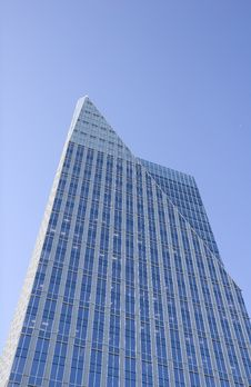 Free Blue Tower With Triangle Top Royalty Free Stock Photography - 5553357