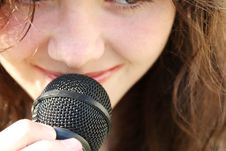 Free Young Beautiful Woman Singing Royalty Free Stock Photos - 5554858