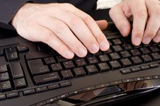 Free Hands On Keyboard Royalty Free Stock Photos - 5555188