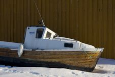 Free Boat In The Snow Royalty Free Stock Images - 5555639