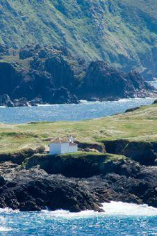 Free Chapel On A Tiny Island Royalty Free Stock Image - 5556506