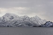 Free Mountains At The Sea Stock Photography - 5556952