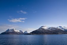 Free Mountains At The Sea Royalty Free Stock Images - 5558509