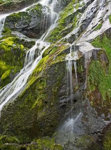 Free Waterfall Royalty Free Stock Images - 5561009