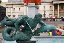 Free Bronze Fountain With A Nude Young Man Stock Images - 5563664