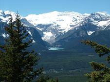 Free View Of Lake Louise Royalty Free Stock Photos - 5567218
