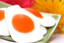 Free Gummi Fryed Eggs And Flower Stock Image - 5569361