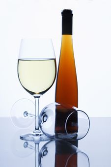 Free Glasses And Wine Royalty Free Stock Photo - 5571245