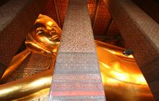 Free Wat Pho Reclining Buddha Royalty Free Stock Photo - 5573945