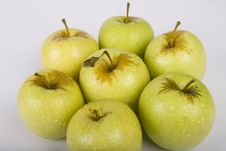 Free Apples On White Royalty Free Stock Images - 5574499