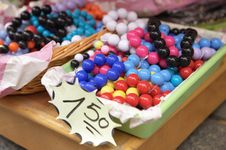 Free Multi-colored Beads Royalty Free Stock Photography - 5574547