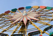 Free Colorful Ferris Wheel Royalty Free Stock Photos - 5574798