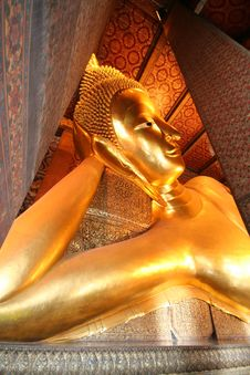 Free Wat Pho Reclining Buddha Stock Photo - 5575230