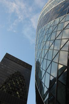 Free London S Gherkin Skyscraper Royalty Free Stock Photo - 5575975