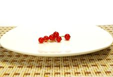 Free Red Currant On A White Plate Stock Photo - 5576230