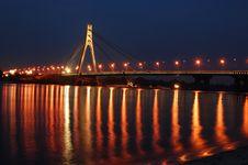 Free Moscow Bridge Across Dnepr River. Kiev,Ukraine Stock Photography - 5580822