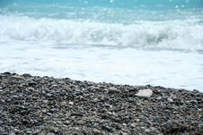 Free Stones And Sea Waves Royalty Free Stock Photography - 5582667