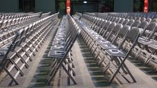 Free Empty Chairs Royalty Free Stock Images - 5583269