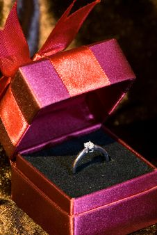 Free Diamond Ring In A Gift Box Royalty Free Stock Photography - 5584677