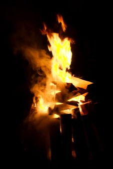 Free Campfire Flame Stock Photography - 5585442