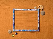 Free Frame In The Sand Royalty Free Stock Photos - 5585498