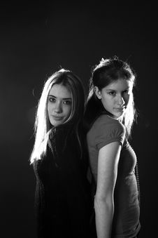Free Black And White Of Two Teen Sisters Royalty Free Stock Photos - 5586698