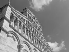 Free Cathedral Of Pisa (B&W) Royalty Free Stock Photography - 5587317