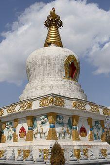Free White Pagoda Stock Image - 5588131