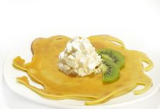 Free Pancakes Filled And Kiwi Stock Photography - 5588822