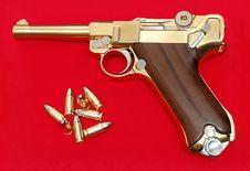Free Golden Gun Royalty Free Stock Images - 5591179